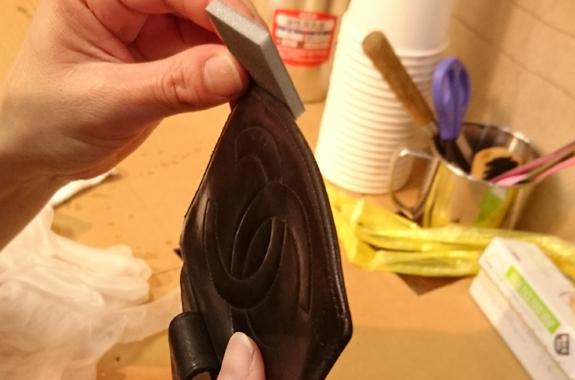 シャネルのサイフ修理